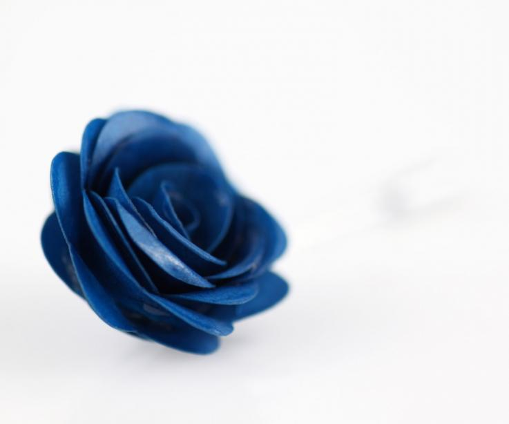 Rose handicraft brooch for women