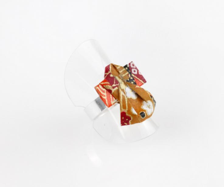 Silver ring with origami kimono, perspective view