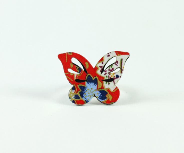 Anillo mariposa para mujer visto de frente