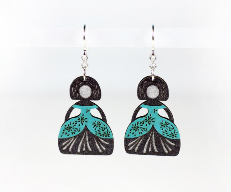 Earrings made by hand with treated paper and die-cut, to get the details of the dresses of the meninas