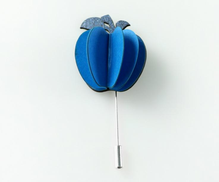Sophisticated blue apple-shaped brooch with needle