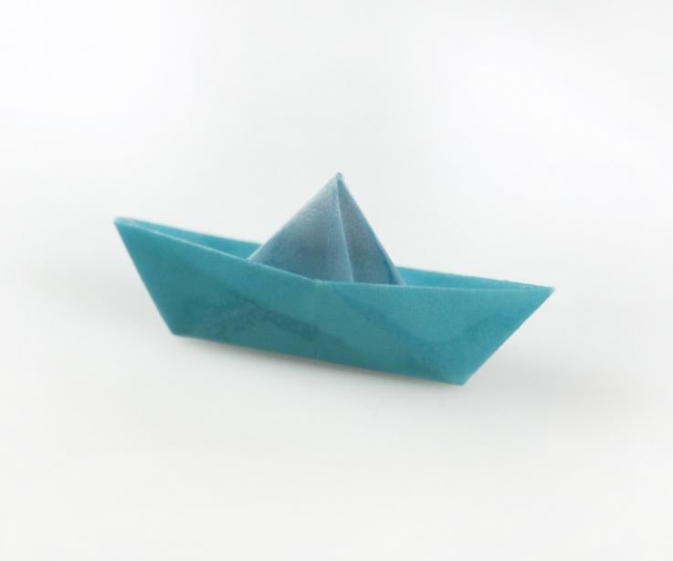 Boat brooch of paper, woman accessory
