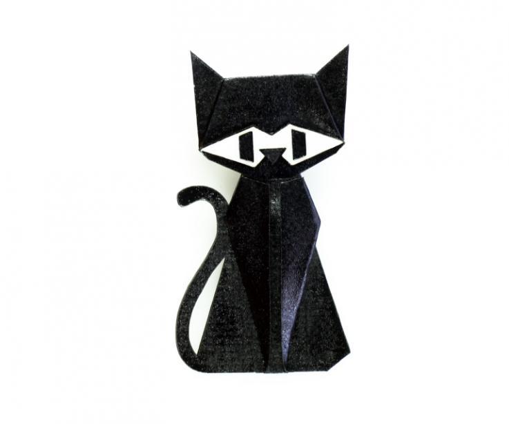 Cat-shaped brooch in black