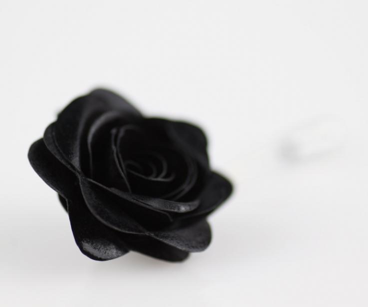 Rose shaped brooch with needle for dress
