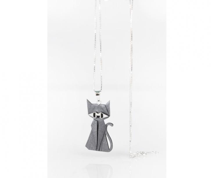 Colgante con cadena de plata y gato de origami plateado