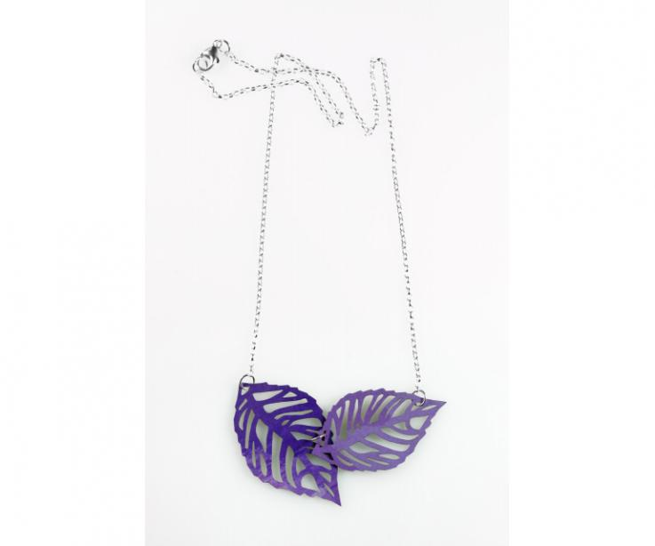 Natural style leaves necklace for women, front view