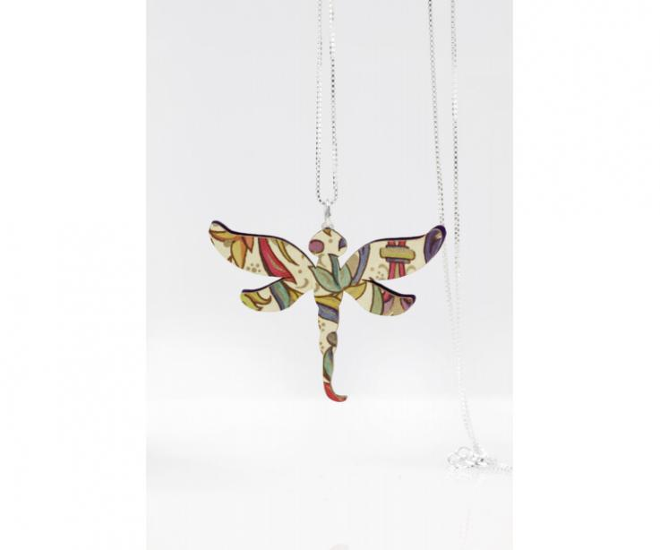 Dragonfly-shaped paper pendant, front view