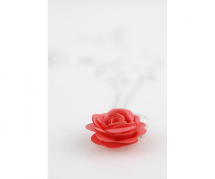 Colgante rosa de artesanía, en papel y plataRose handcrafted pendant, in paper and silver
