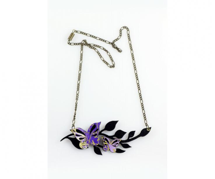 Short butterfly with leaves necklace, front view
