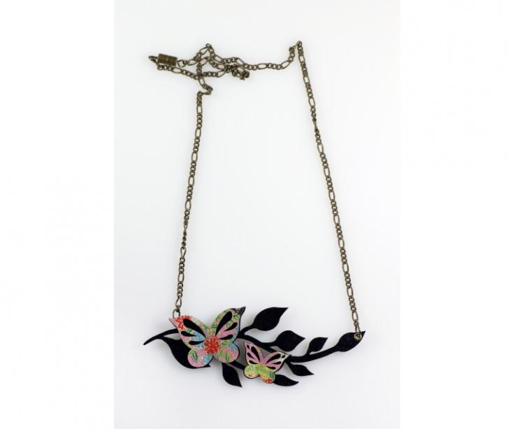 Large butterfly paper choker from Japan, front view