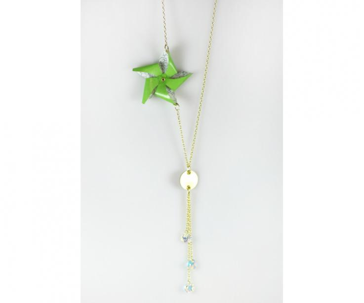 Fashion necklaces with paper pinwheel, front view
