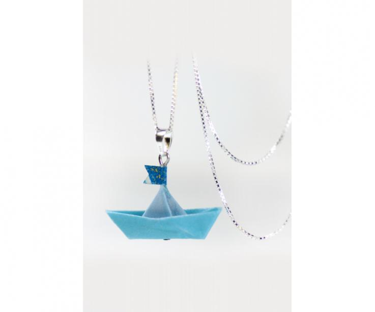 Pendant for woman with boat made of paper and sterling silver