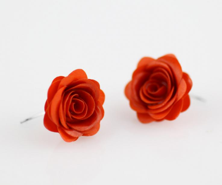 Fashion rose earrings on sturdy paper