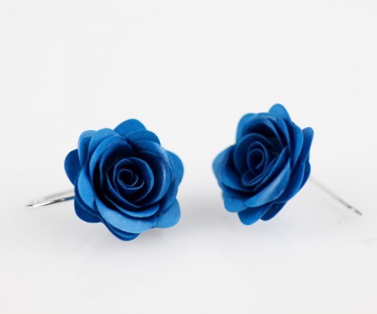 Handmade rose earrings with silver links