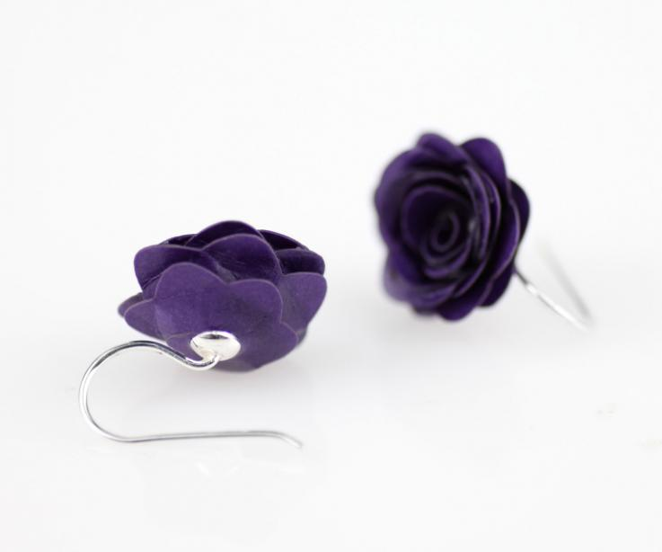 Short rose earrings on paper and silver