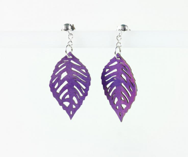 Paper leaves earrings with silver nut closure, front view