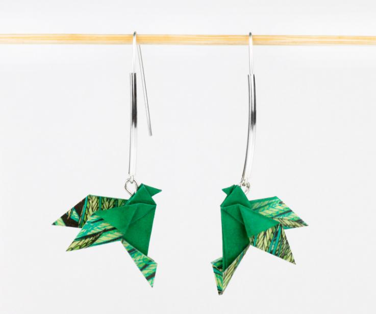 Pendientes creativos pájaro origami y plata de ley, vista frontal
