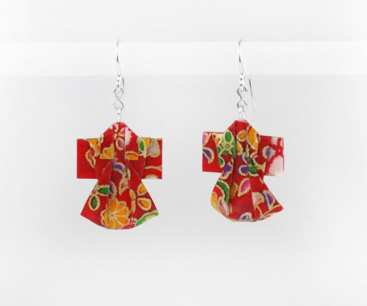 Paper kimono earrings for women, front view
