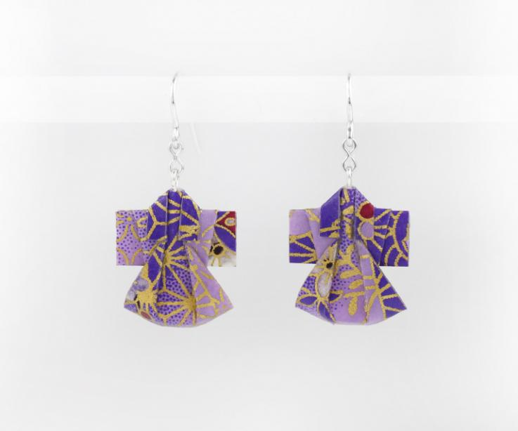 Paper Kimono earrings and silver links, front view