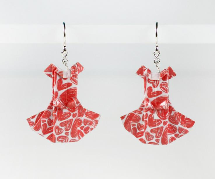 Romantic dress earrings with hearts and silver