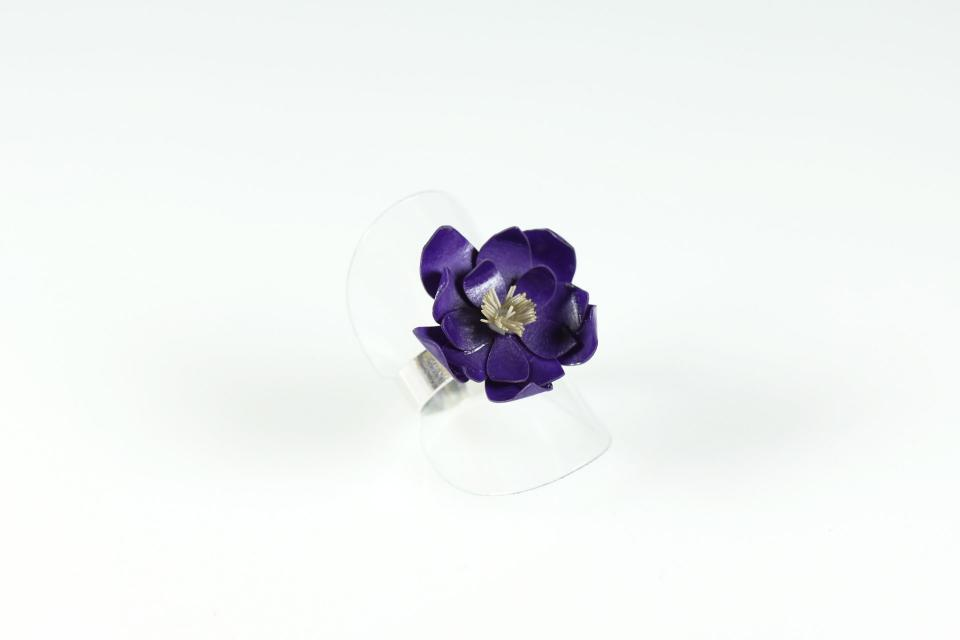 From the Museums collection is born the Monet ring based on silver