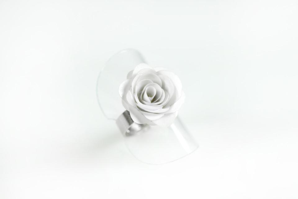 Rose ring made of paper and silver, front view