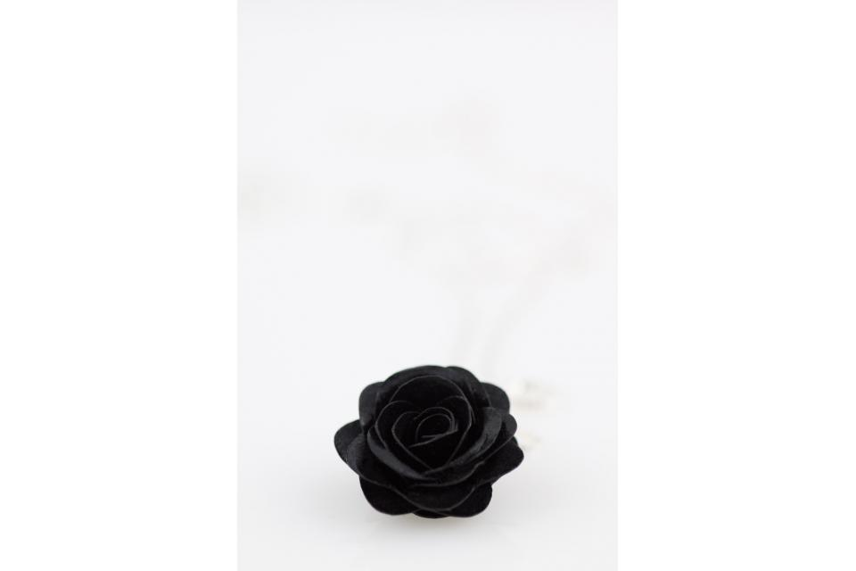 Fashion jewellery pendant with rose flower for her