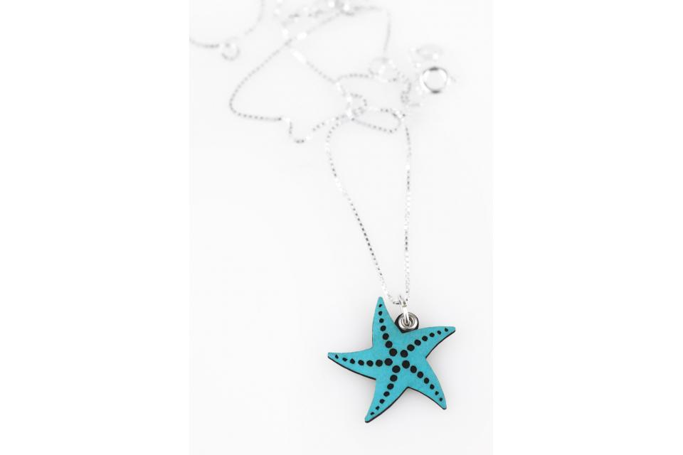 Colgante con cadena de plata y estrella de mar azul