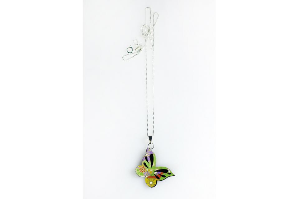Collar para mujer mariposa cadena plata de ley, vista frontal