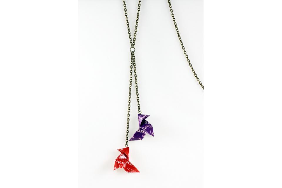 Long necklace with Sugus origami birds, front view