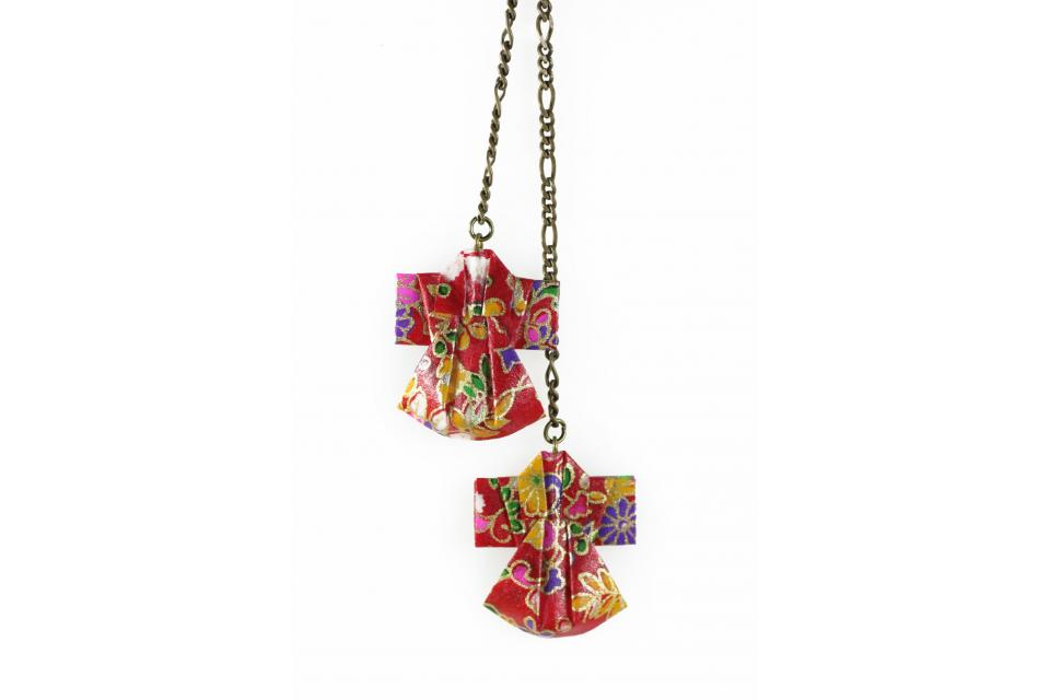 Long fashion necklace with paper kimonos, front view