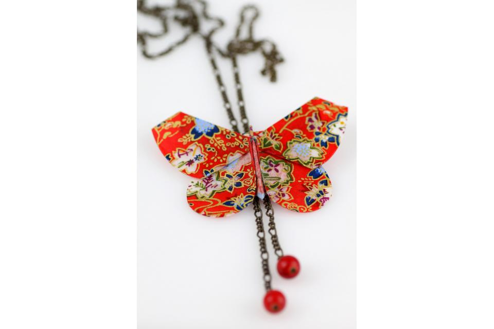 Japanese oriental style paper necklace