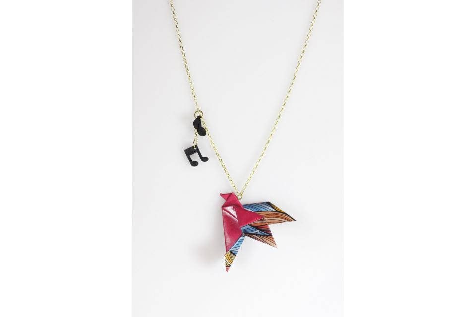 Women's bird pendant in paper and gold, front view