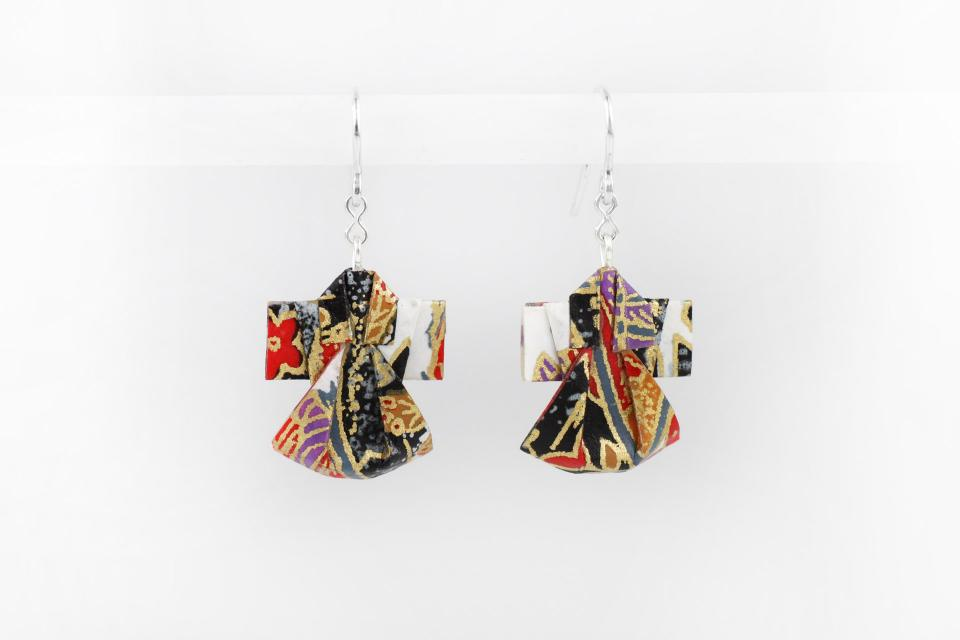 Nice paper kimono earrings for women, front view