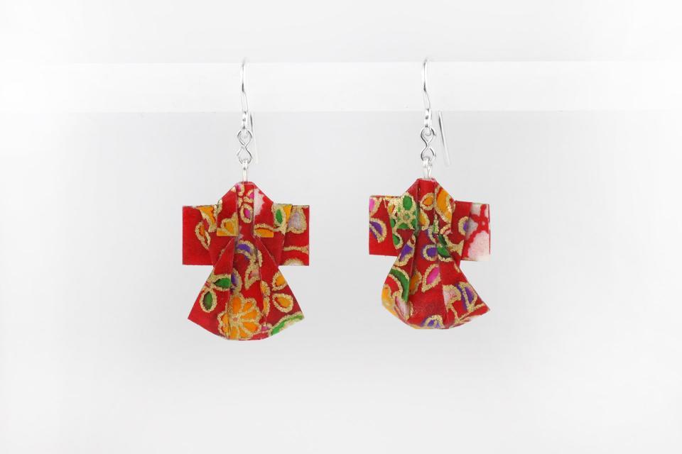 Paper kimono earrings for women, front view