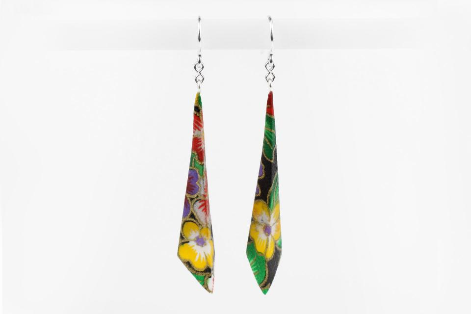 Long pyramidal earrings on paper and sterling silver