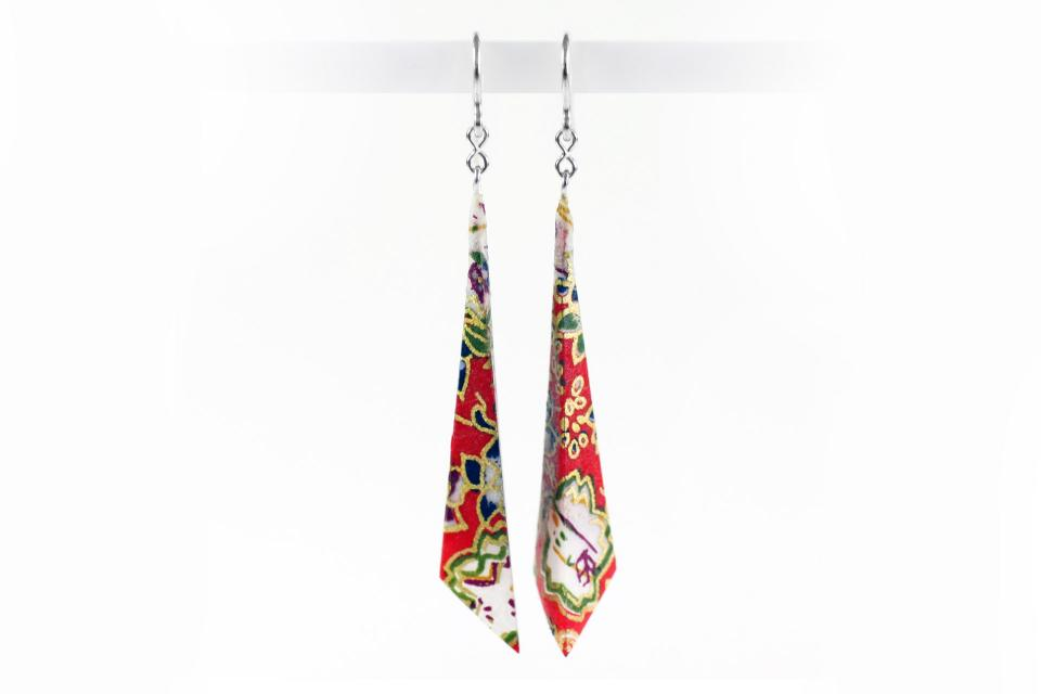 Pyramidal earrings, brand Joyas de Papel