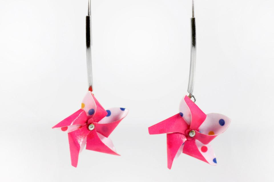 Original jewellery, earrings with fun pinwheel, front view