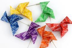 Sugus origami bird brooch, Brand Joyas de Papel